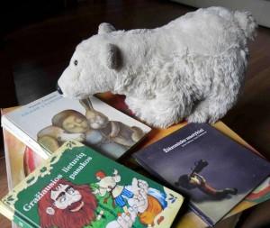 Populiariausi? autori? ir knyg? dešimtukai: k? skaito bibliotek? lankytojai?